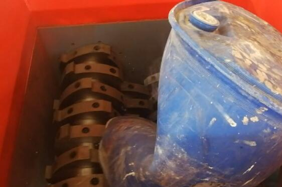 Plastic bucket shredder video
